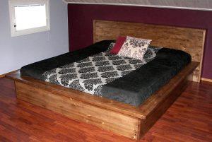Puusepänliike KorpiSorvi: sänky